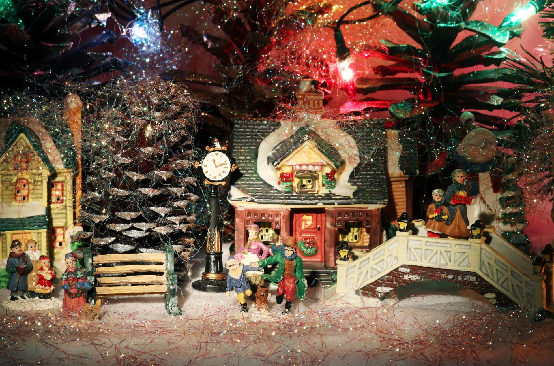 You are currently viewing Christmas Village Holiday Fundraiser Contest