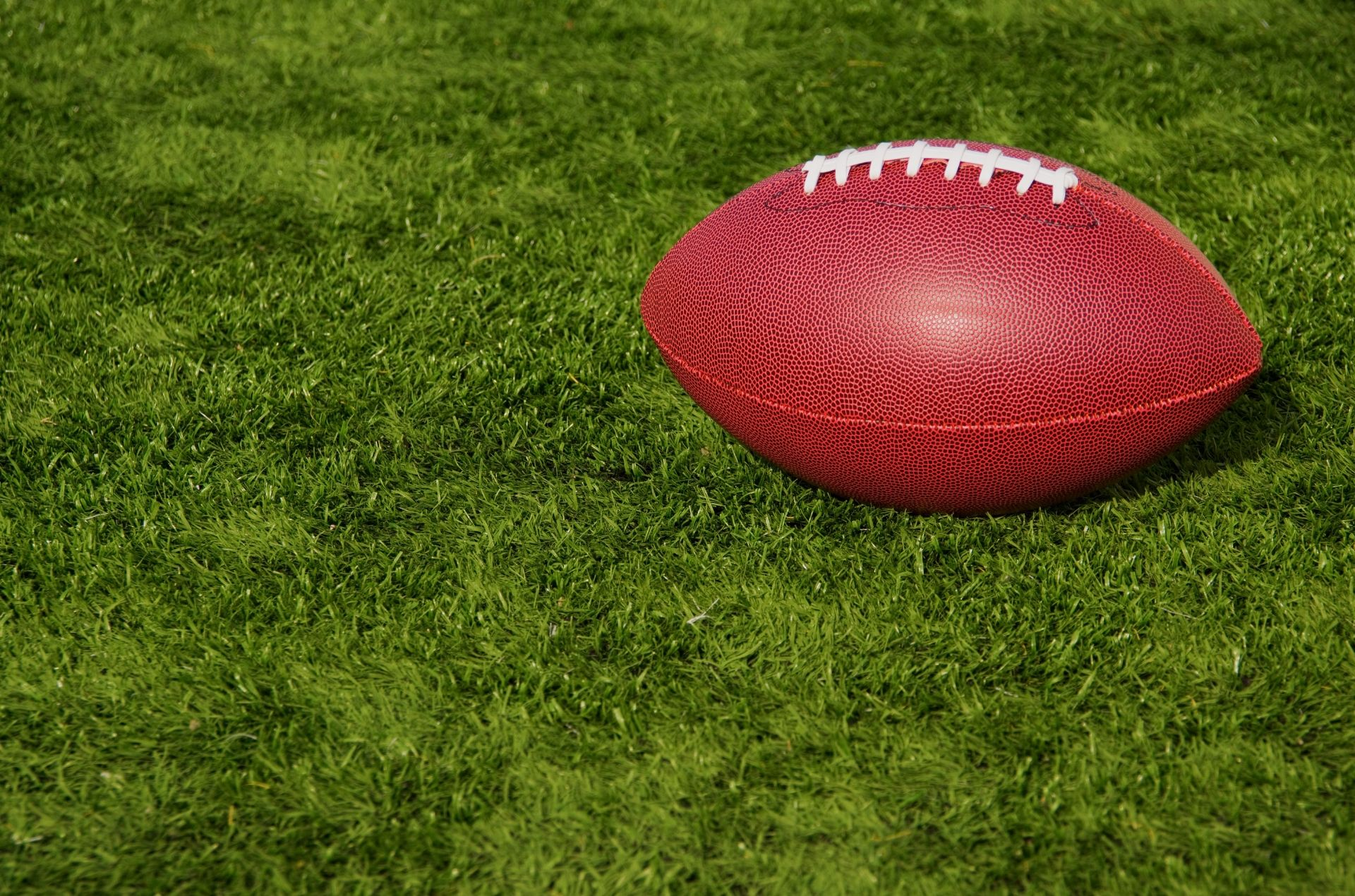 You are currently viewing Quarterback Challenge Football Throw Fundraiser